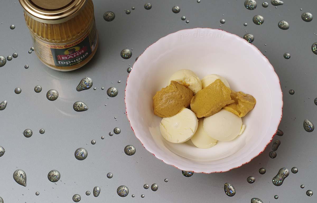 Okroshka, yoğurt tarifi yanı sıra kvas ve serumda 46
